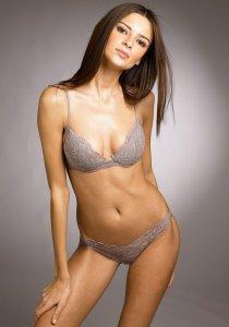 Jennifer Lamiraqui Hot bikini